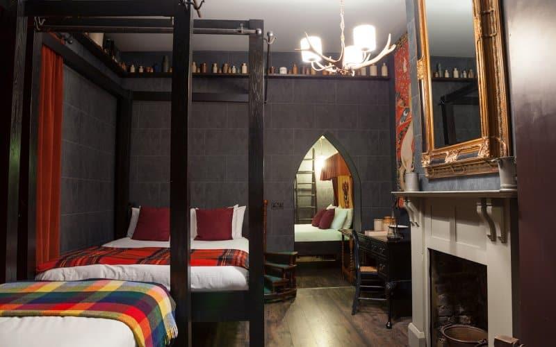 harry-potter-hotel-room-georgian-house-3
