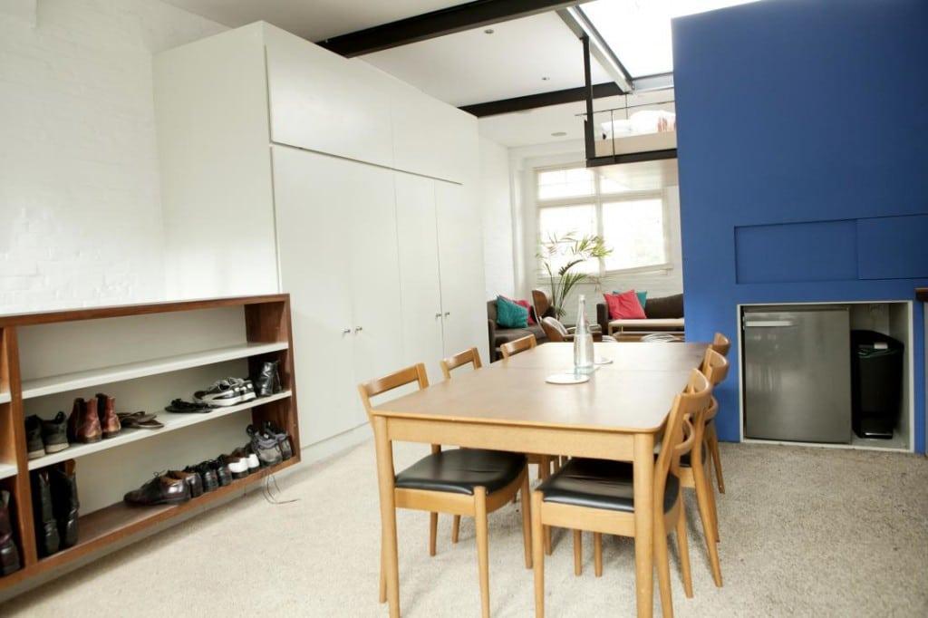 hanging-loft-bed-apartment-3