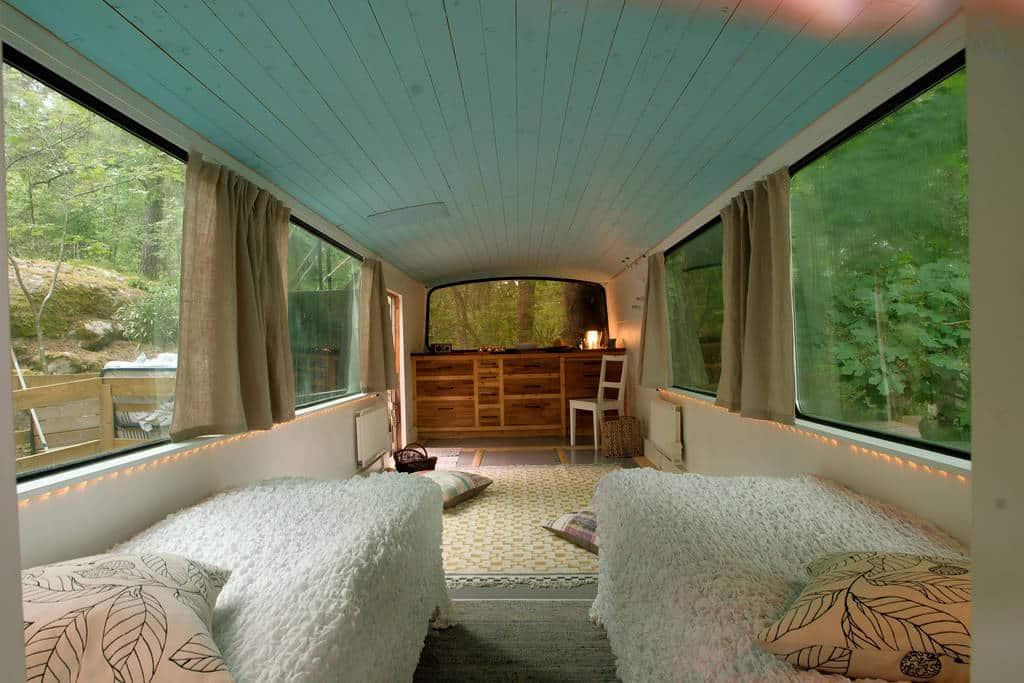 bus-rooftop-garden-7