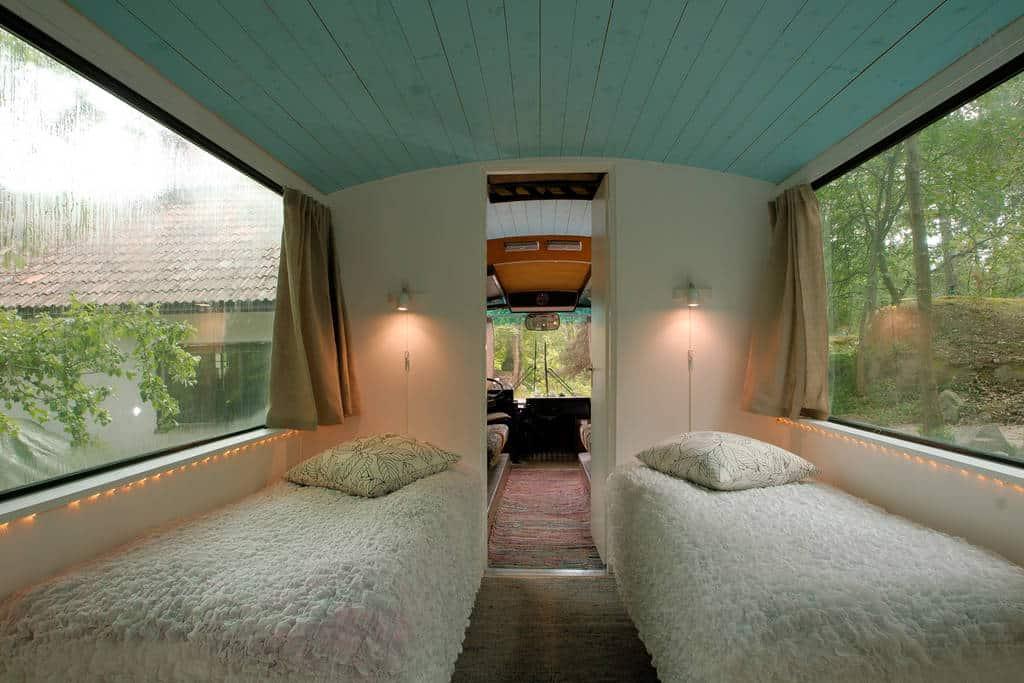 bus-rooftop-garden-8