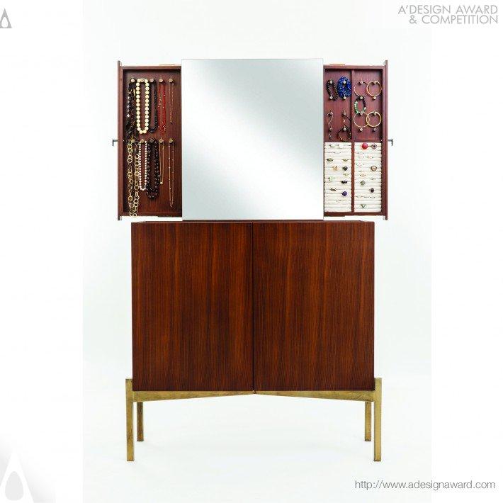 jewellery table