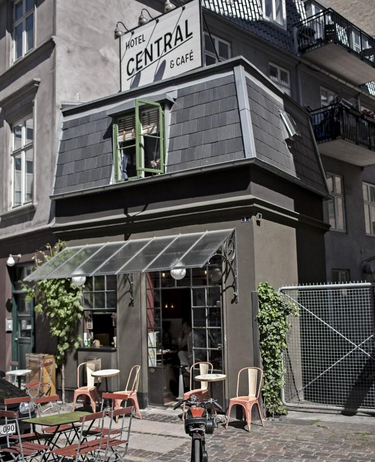 worlds-smallest-hotel-copenhagen-central-1