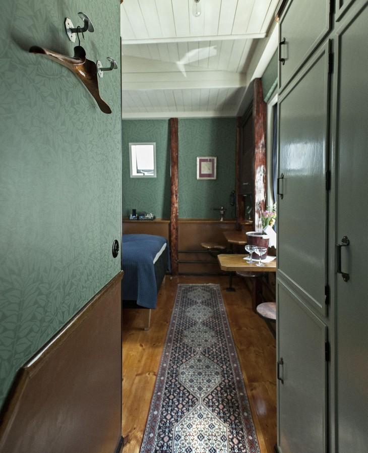 worlds-smallest-hotel-copenhagen-central-4