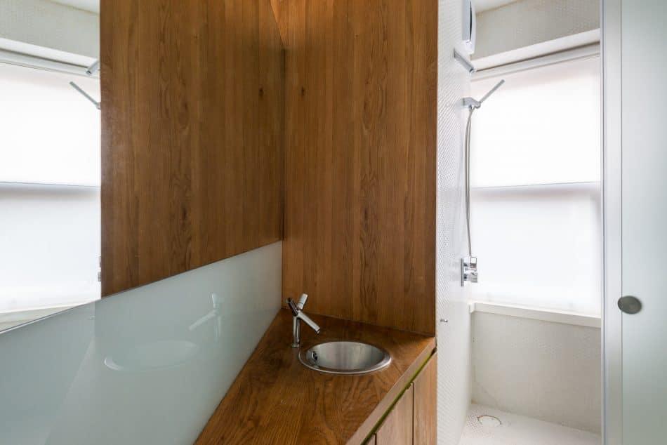 smart-studio-apartment-modern-house-11