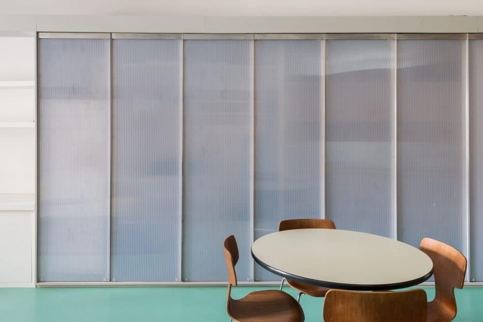 smart-studio-apartment-modern-house-6