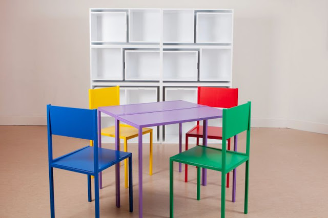 Reynolds6 1 - A bookcase with built in dining table