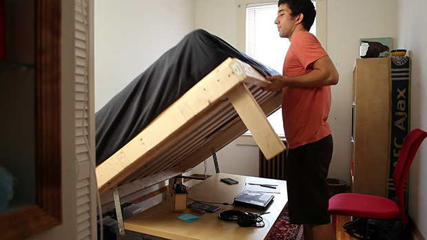 Phakos 1 - Build a desk that turns into a double bed for $350