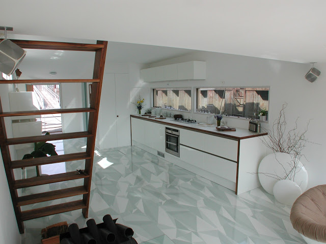 Treppe 1 1 - A loft-style houseboat with a green terrace