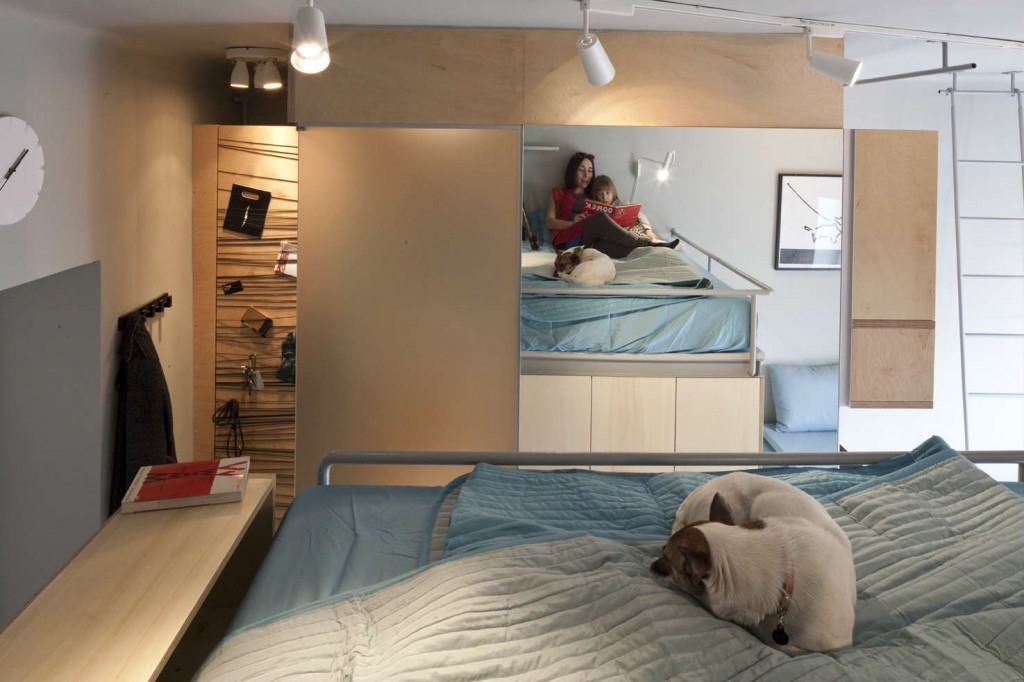 Mother son and dog living large in a 273 ft2 apartment for Tiny studio apartment