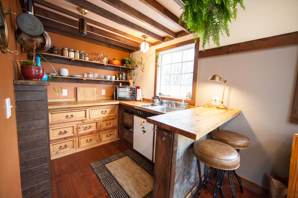 Tour of a hand crafted rustic tiny house in Portland Oregon