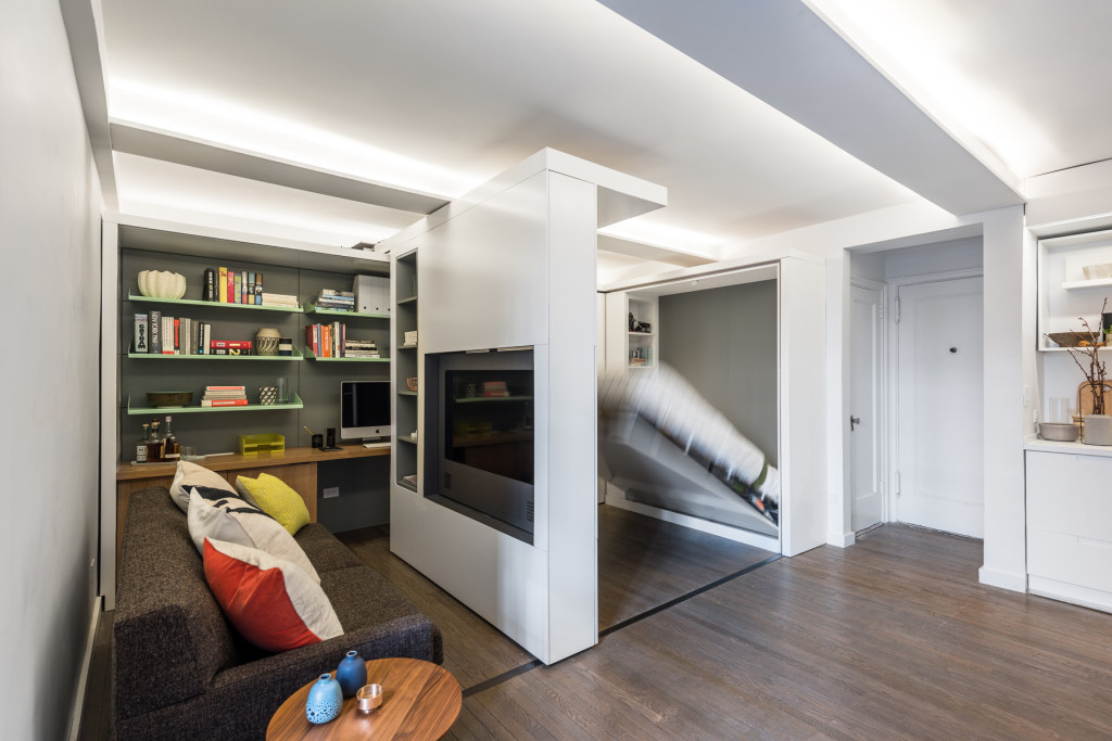 This 390 square foot manhattan apartment has a motorized for Loft design immobilier