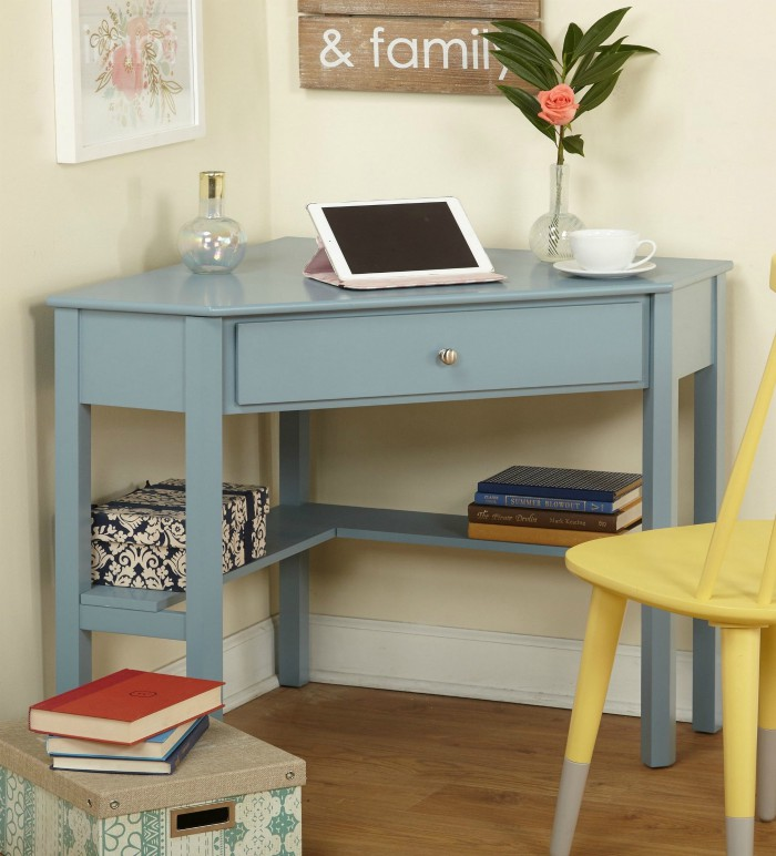 Ten space-saving desks that work great in small living ...