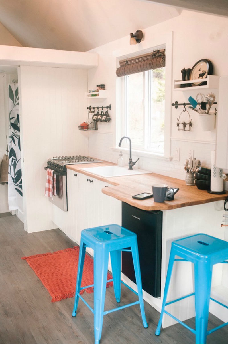 tiny house esket 5 - The Esk'et tiny house is a gorgeous work of art (and has a really cool spiral ladder)