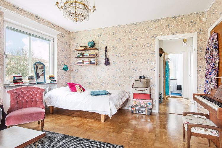 Ordinaire This Swedish Studio Apartment Makes Vintage Look Glamorous