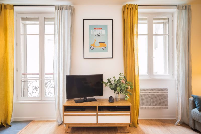 Marion Alberge montmartre-marion-alberge-studio-appartment-6 - living in a shoebox