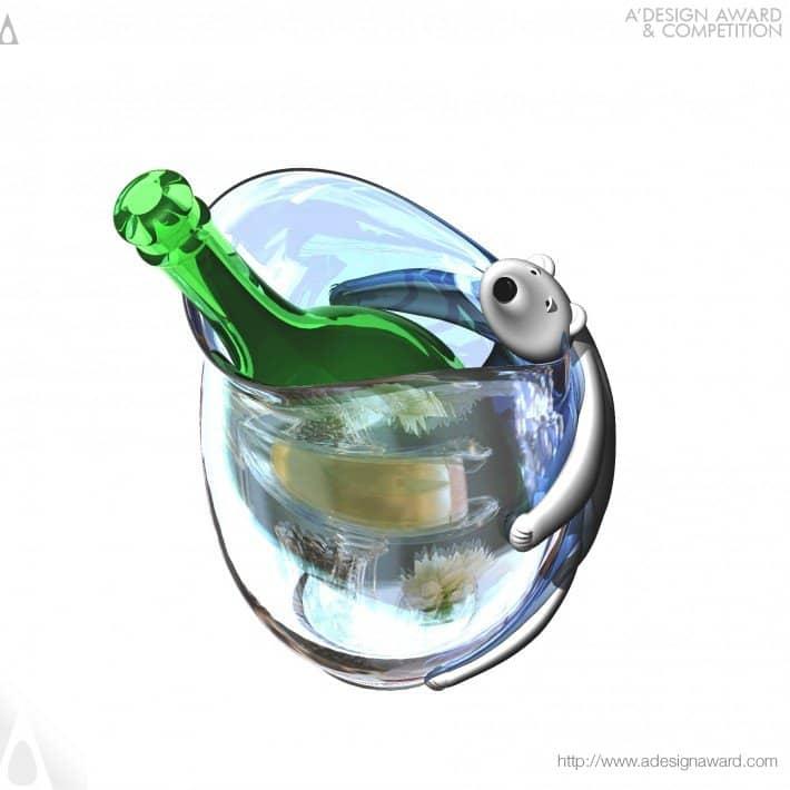 Bear Hug Bottle chiller by Clive Bullivan - Top 20 A' Design Award Winners