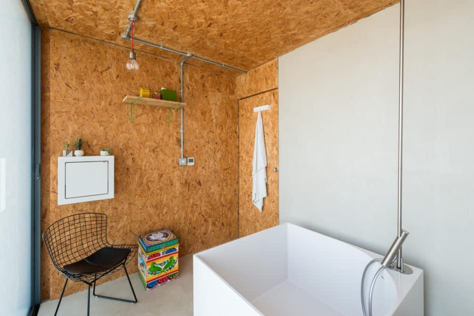 water-tank-apartment-modern-house-16