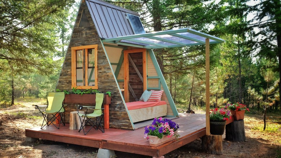 tiny-a-frame-cabin-41