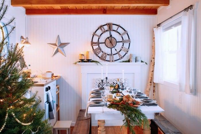 santas-cabin-12