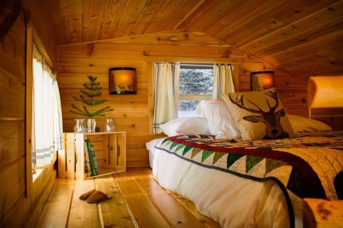 santas-cabin-17