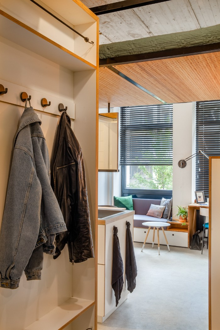 Standard Studio student housing Rotterdam 12 - This student apartment makes you want to go back to school