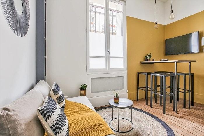 yellow mellow apartment 5 - Tiny studio apartment is a mellow yellow delight