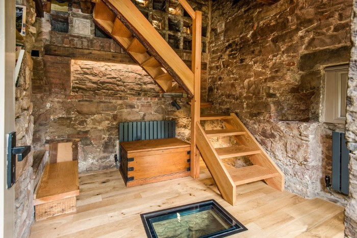 Dovecot cottage 5 - Once home for hundreds of pigeons, the Dovecot Cottage is now a charming holiday abode