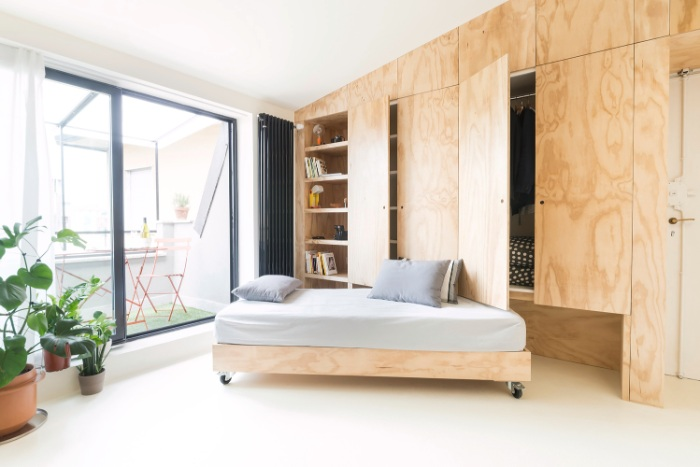 batidin flat 14 - The furniture is cleverly integrated in the walls in this 28 sqm micro-flat