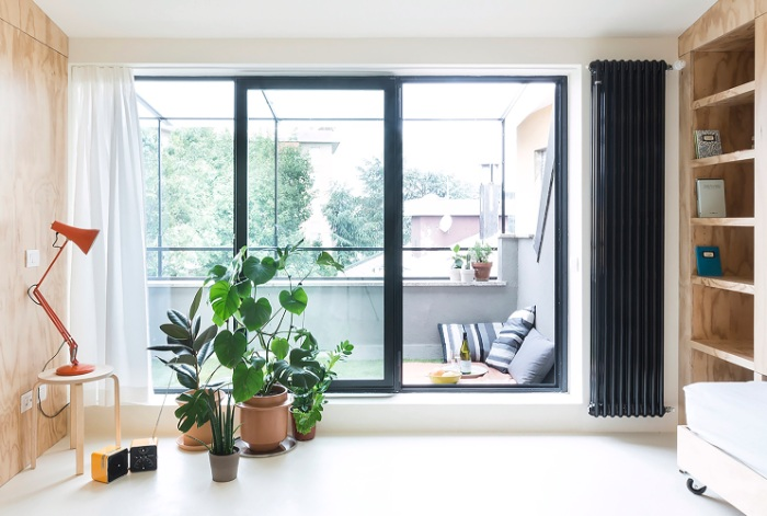 batidin flat 9 - The furniture is cleverly integrated in the walls in this 28 sqm micro-flat