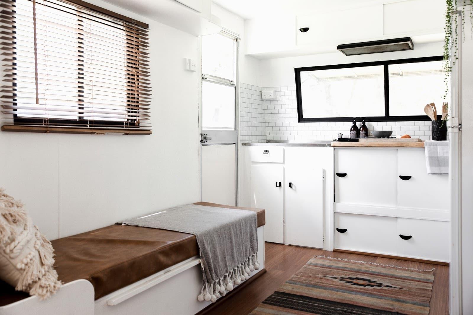 Super Ollie Caravan Windsor Statesman 27 Living In A Shoebox Ibusinesslaw Wood Chair Design Ideas Ibusinesslaworg