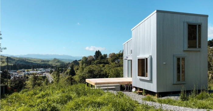 AB Studio Cabin Copeland Associates Architects 1 - Guests sleep under an observation turretin this small New Zealand cabin