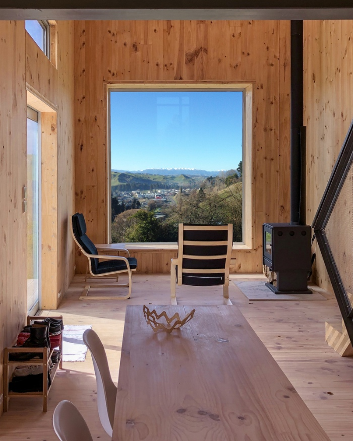 AB Studio Cabin Copeland Associates Architects 5 - Guests sleep under an observation turretin this small New Zealand cabin