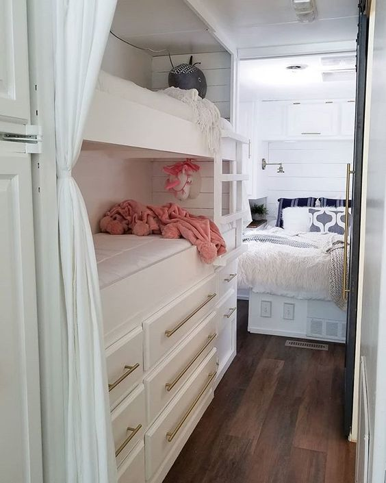wilson mtorhome 19 - Family of four lives full-time in this stylish and well organized motorhome