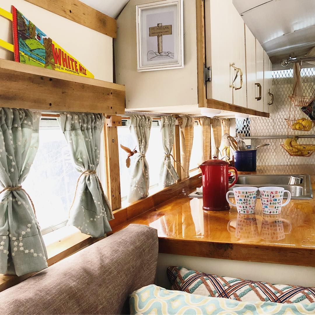30590464 2128642277163704 7327298714752516096 n - Retired prison bus was converted to gorgeous off-grid home