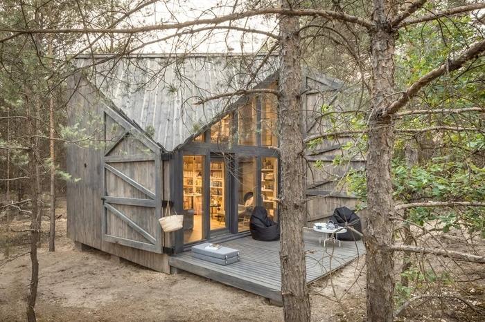 bookworm-cabin-1