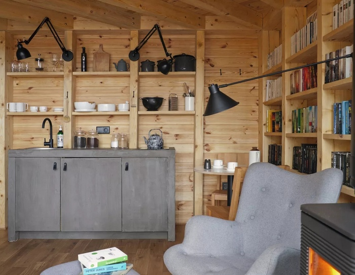 bookworm-cabin-5