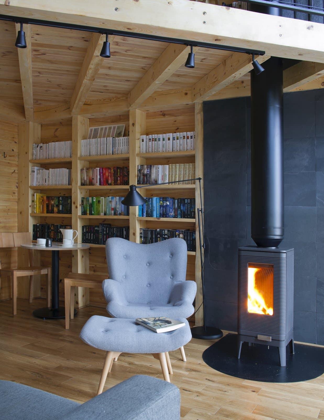 cabin-book-lover