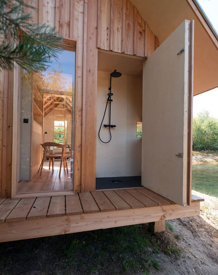 cabin slides apart 4 - Sliding walls make this Dutch cabin a transforming wonder