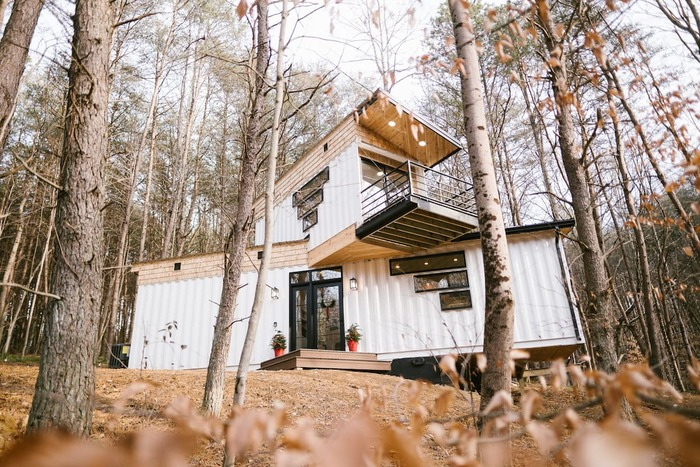 The BoHo Box Hop Hocking Hills - These 10 Airbnb tiny houses let you experience compact living in style