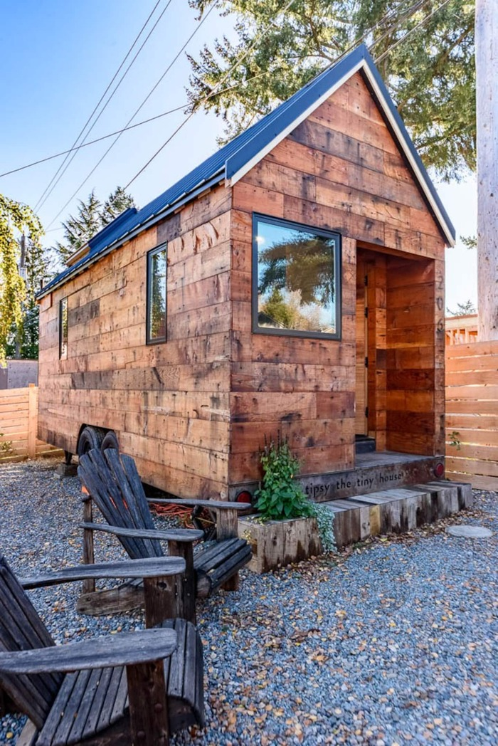 Tiny House in Seattle 5 - These 10 Airbnb tiny houses let you experience compact living in style