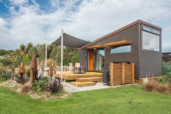 Tiny house west coast new zealand 1 - These 10 Airbnb tiny houses let you experience compact living in style