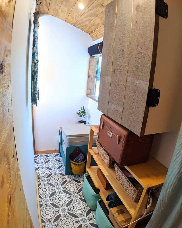 skoolie bathroom - This school bus conversion is farmhouse style goals