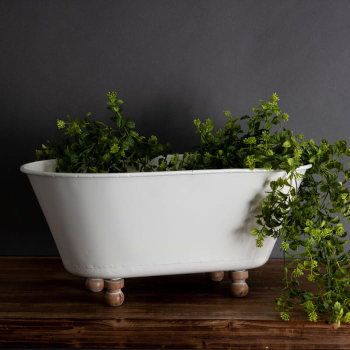 AlvaradoMetalPotPlanter - Give your favorite plant a fabulous makeover with one of these 25 planters