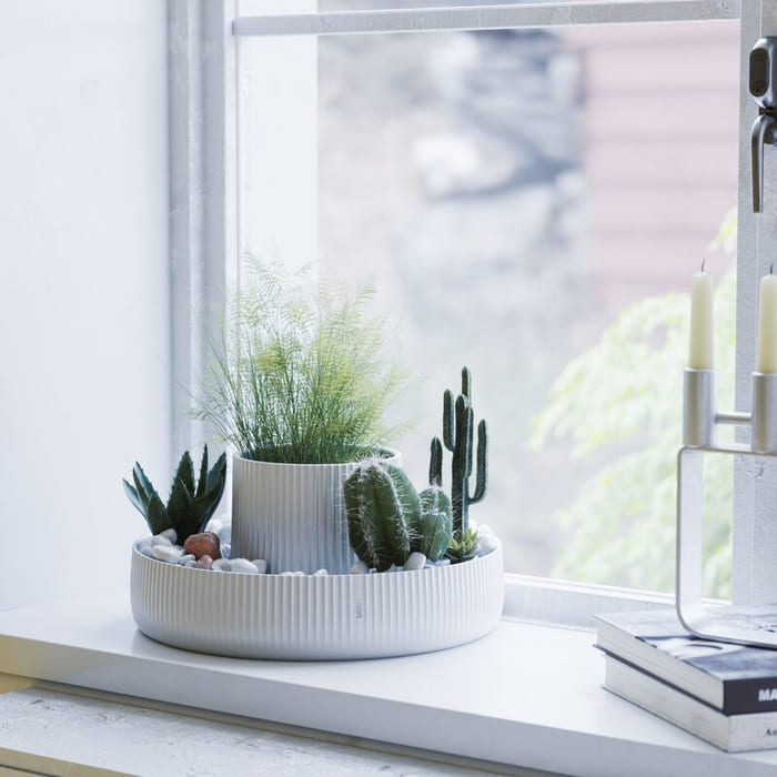 CeramicPotPlanter 1 - Give your favorite plant a fabulous makeover with one of these 25 planters