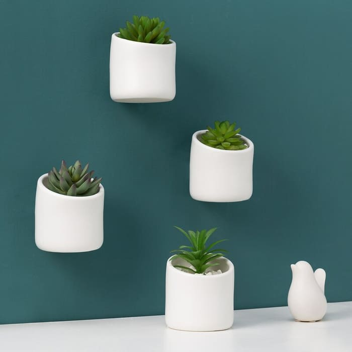 Jakarius4 PieceCeramicWallPlanterSet - Give your favorite plant a fabulous makeover with one of these 25 planters