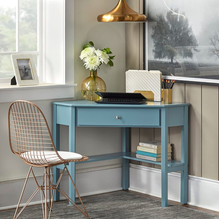 SuriCornerDesk - 25 gorgeous desks for your small space