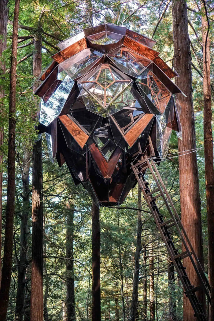 pinecone treehouse 3 - Five magical treehouse getaways