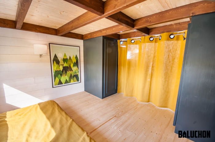 tiny house baluchon 13 - Stunning tiny house features inverted loft space with lounge upstairs and kids' room on main floor