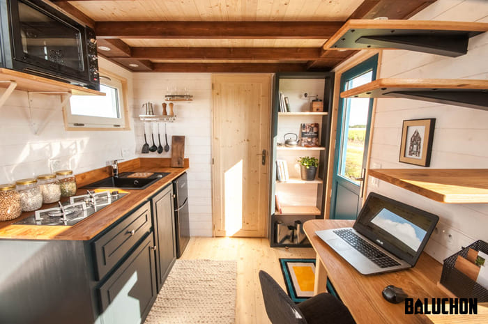 tiny house baluchon 19 - Stunning tiny house features inverted loft space with lounge upstairs and kids' room on main floor
