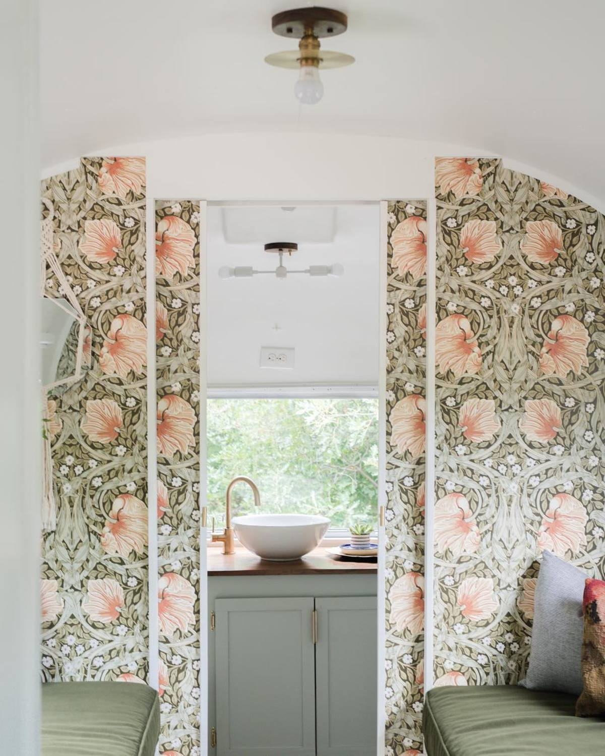 airtsream trailer marjorie 22 - This renovated Airstream trailer is all floral and boho-chic charm